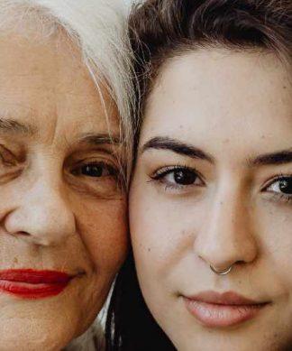 une belle-mère et sa belle-fille